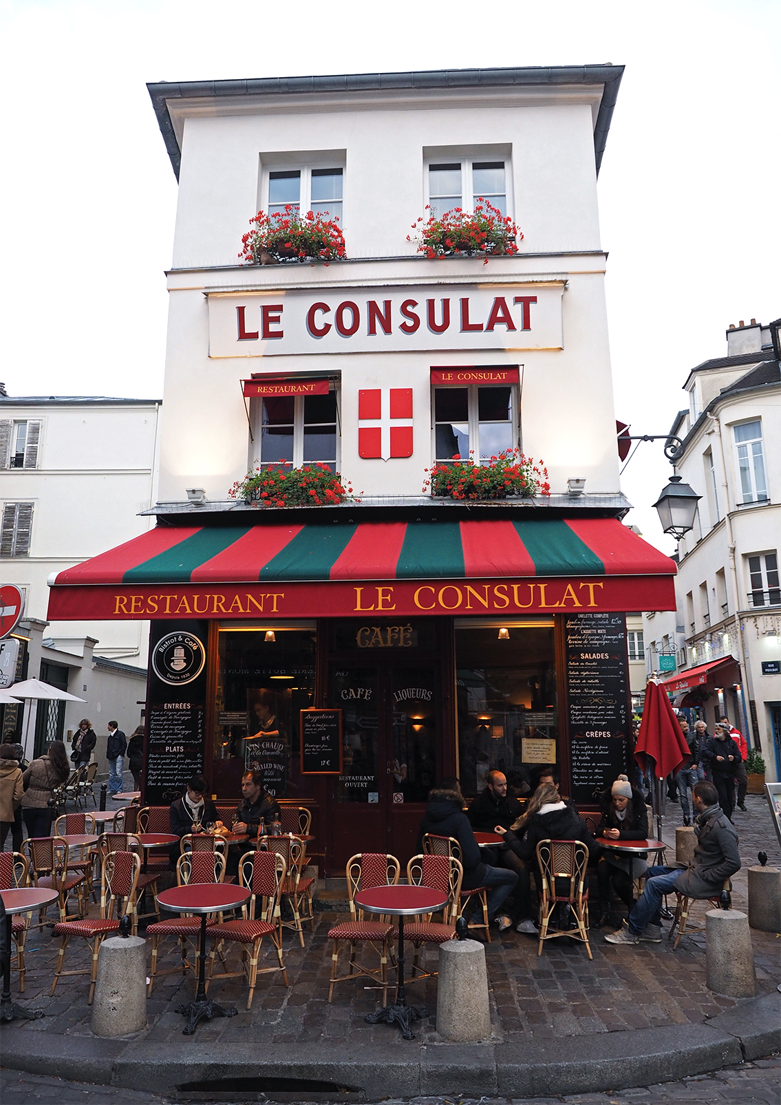 Ultimate travel guide to Paris Montmartre, Inspiring Wit