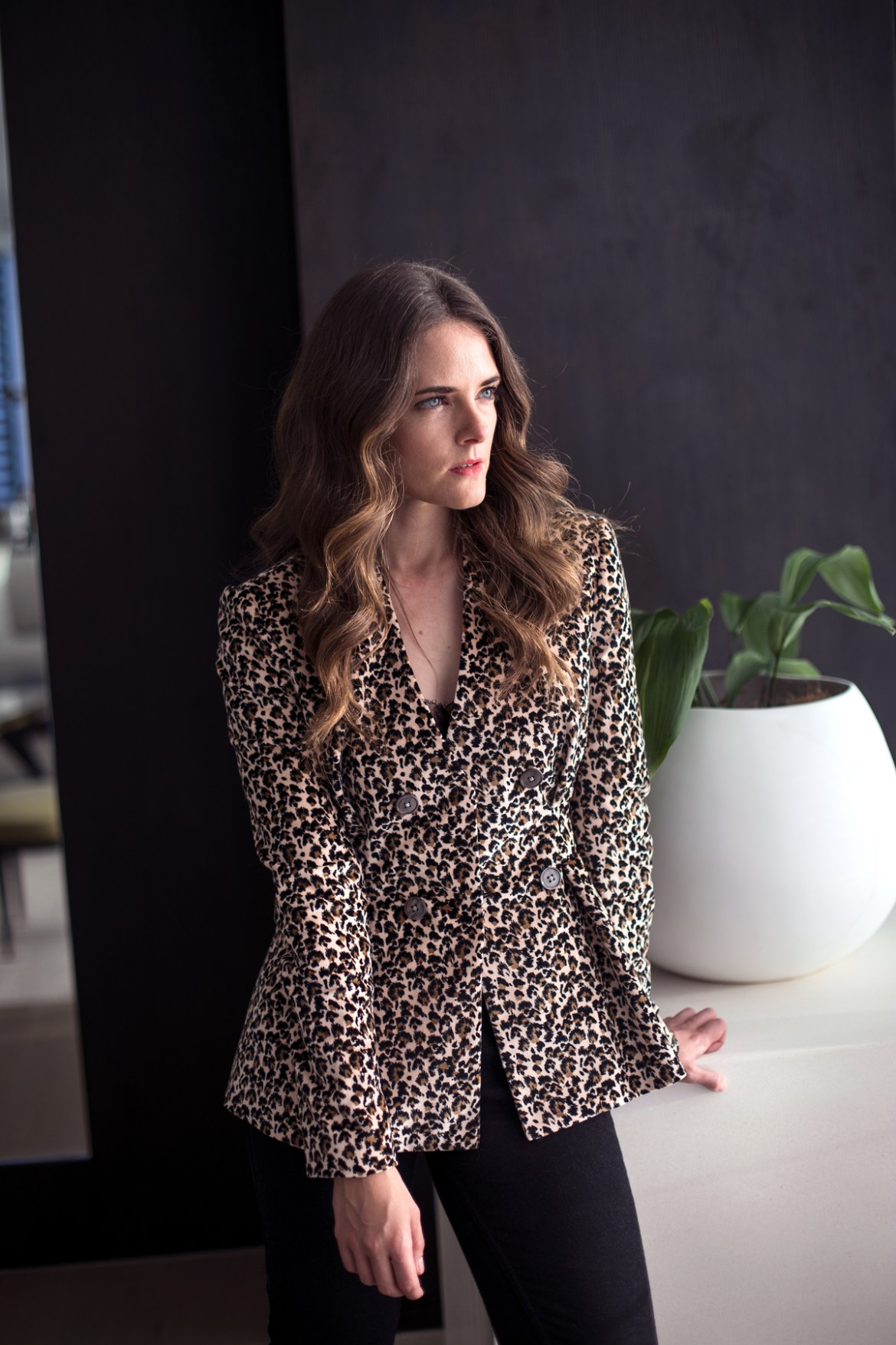 Rebecca Taylor leopard blazer and Reiko Denim outfit worn by Inspiring Wit fashion blogger Jenelle at the Westin Perth