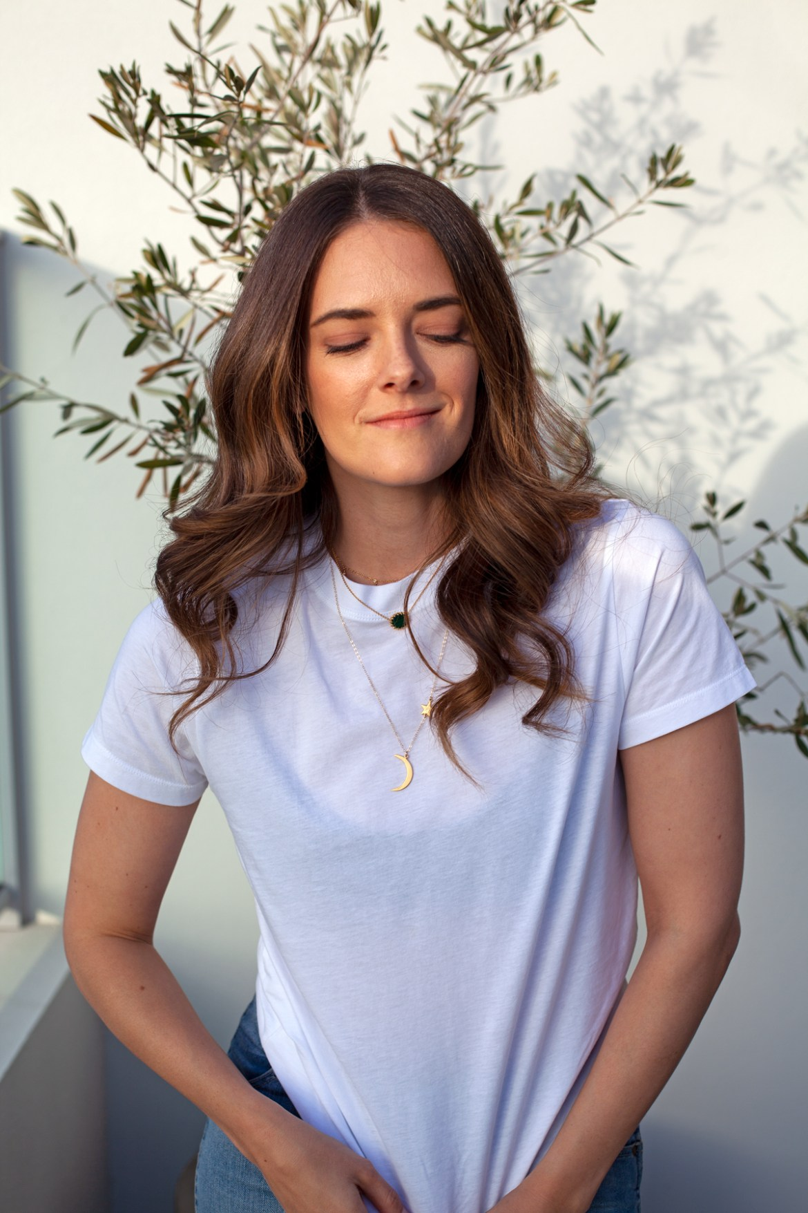 Fashion and lifestyle blogger Jenelle Witty from Inspiring Wit in Jac + Jack white tee