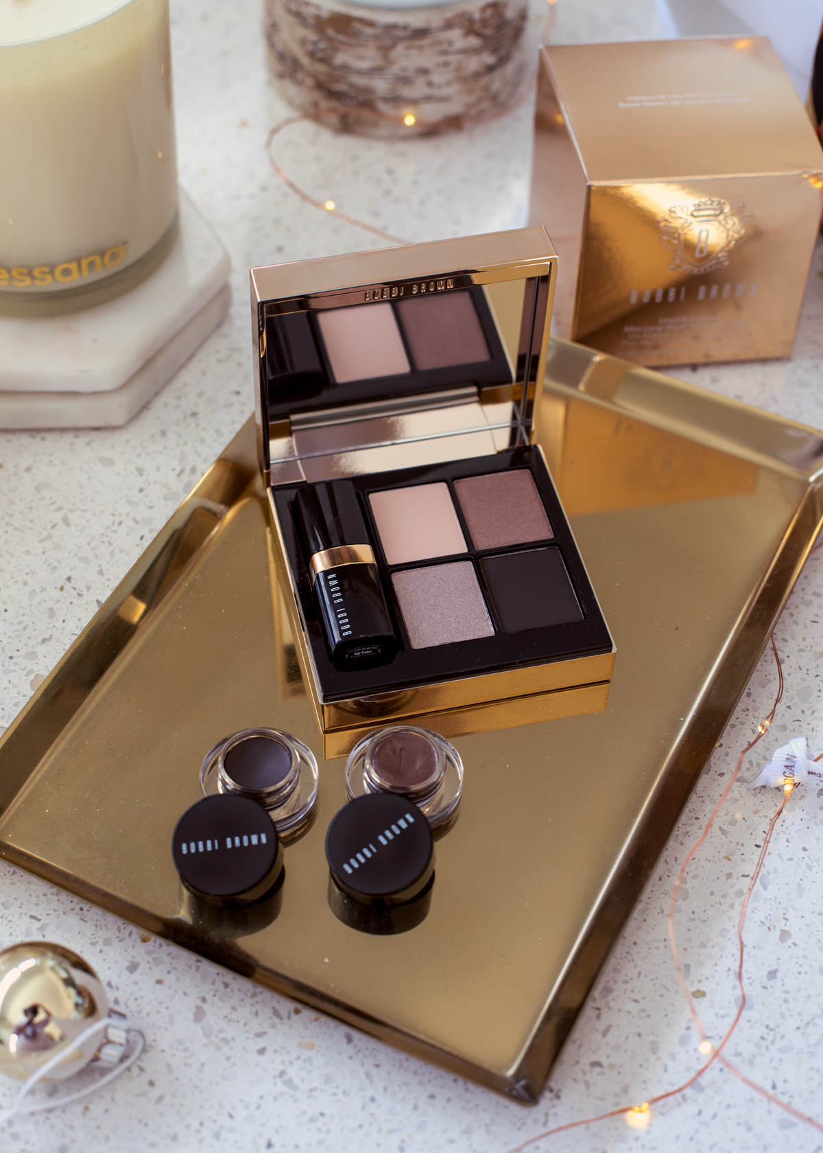 2018 Christmas gift guide Inspiring Wit blog featuring beauty gift ideas Bobbi Brown Christmas gift sets