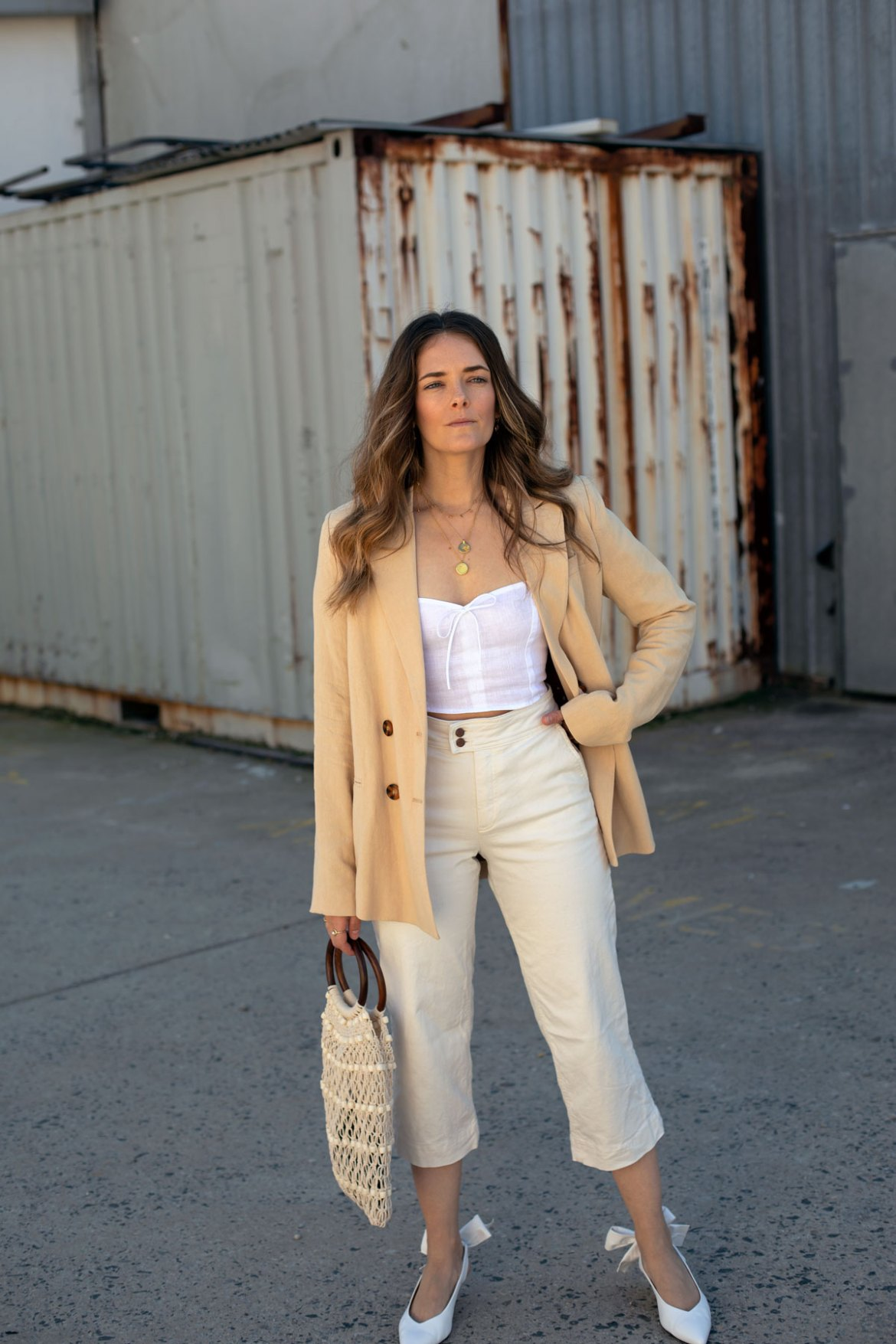 oversized linen blazer outfit with crop jeans
