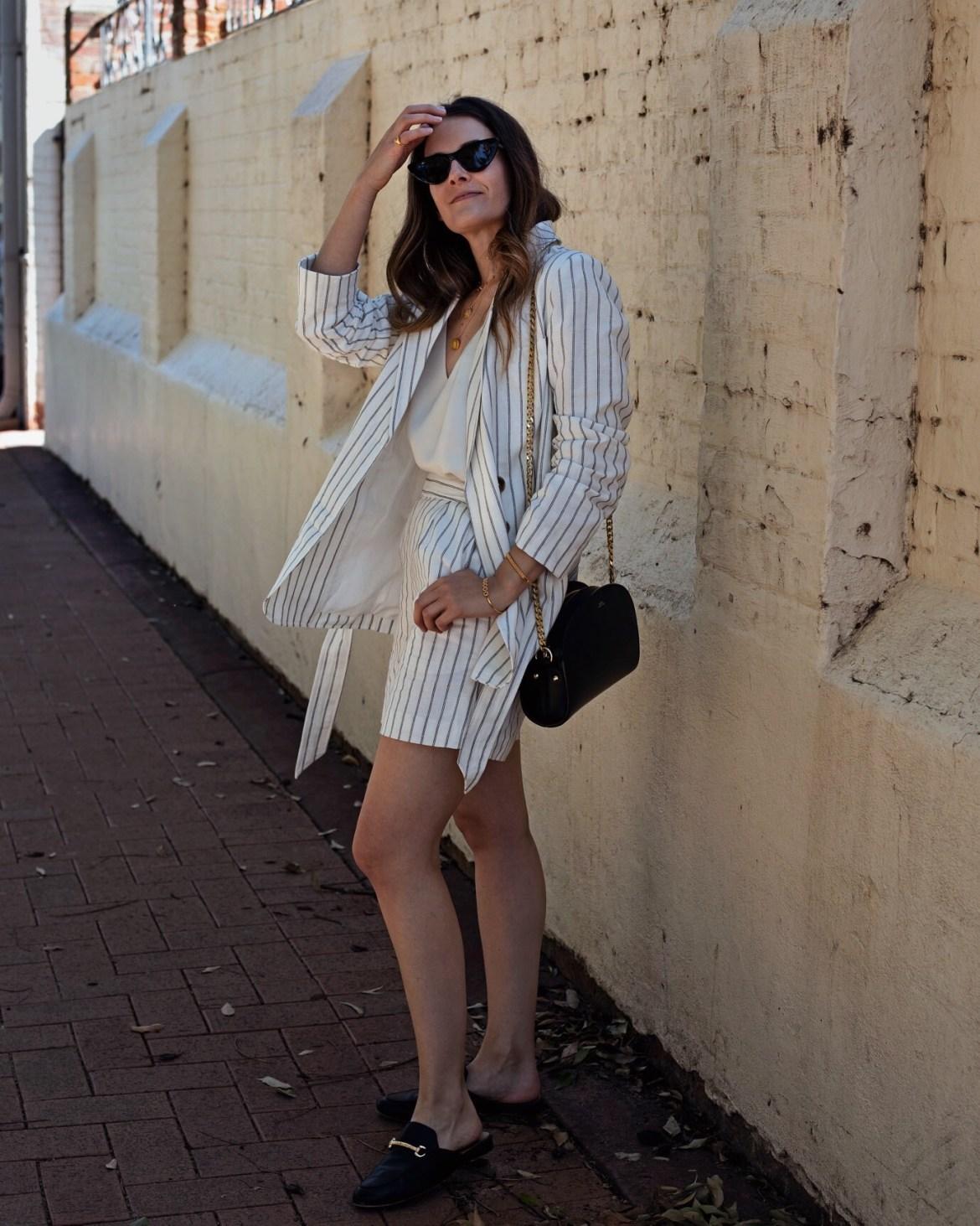 Stripe shorts suit