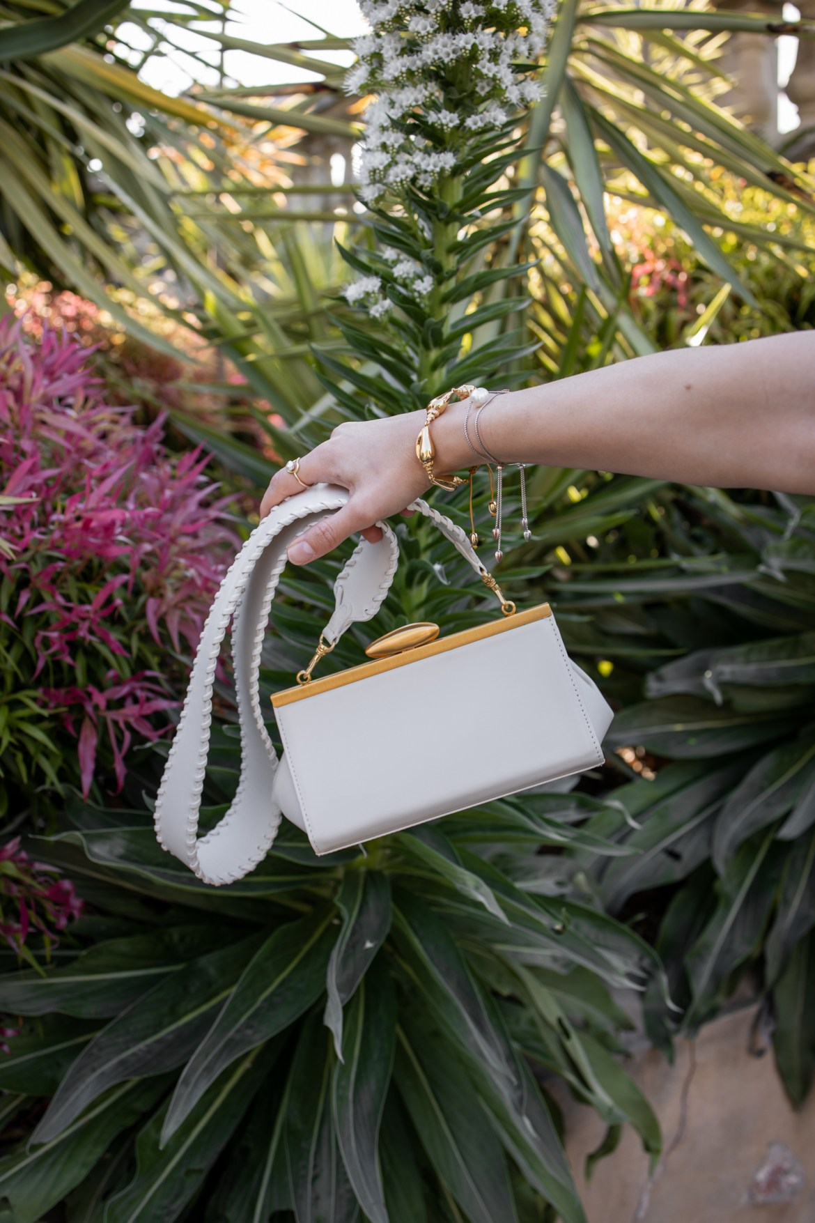 Reike Nen white clutch bag