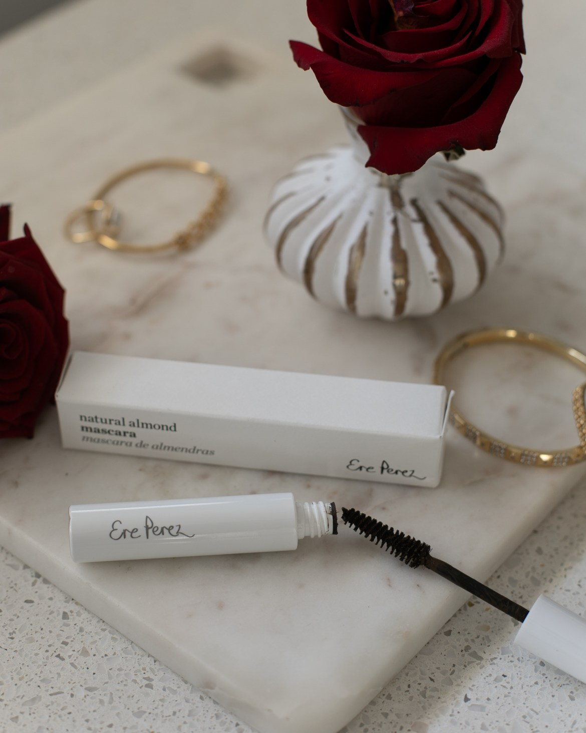 Ere Perez brown mascara for a natural beauty look this Valentine's Day