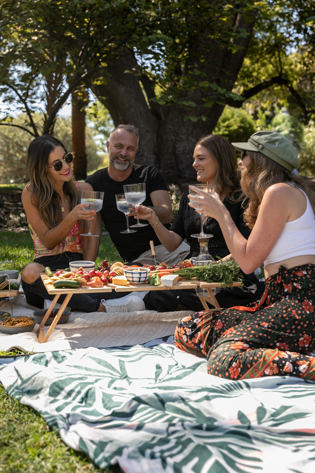 How to host the perfect picnic
