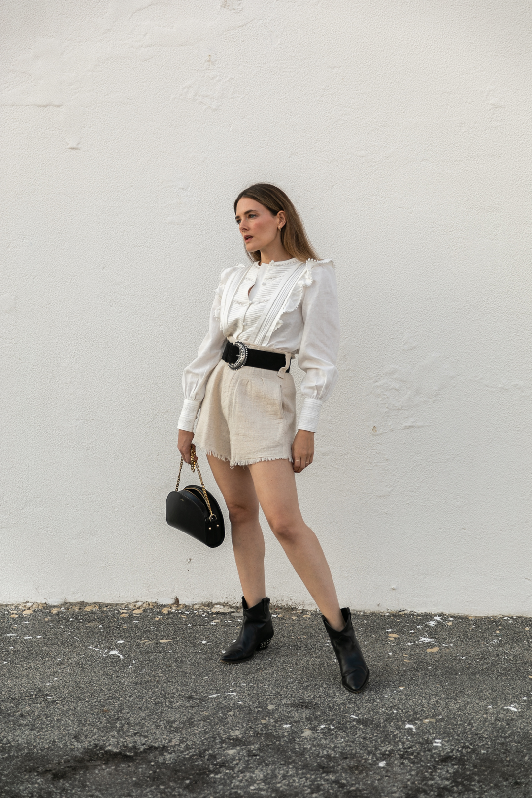 Outfit idea with ruffle blouse