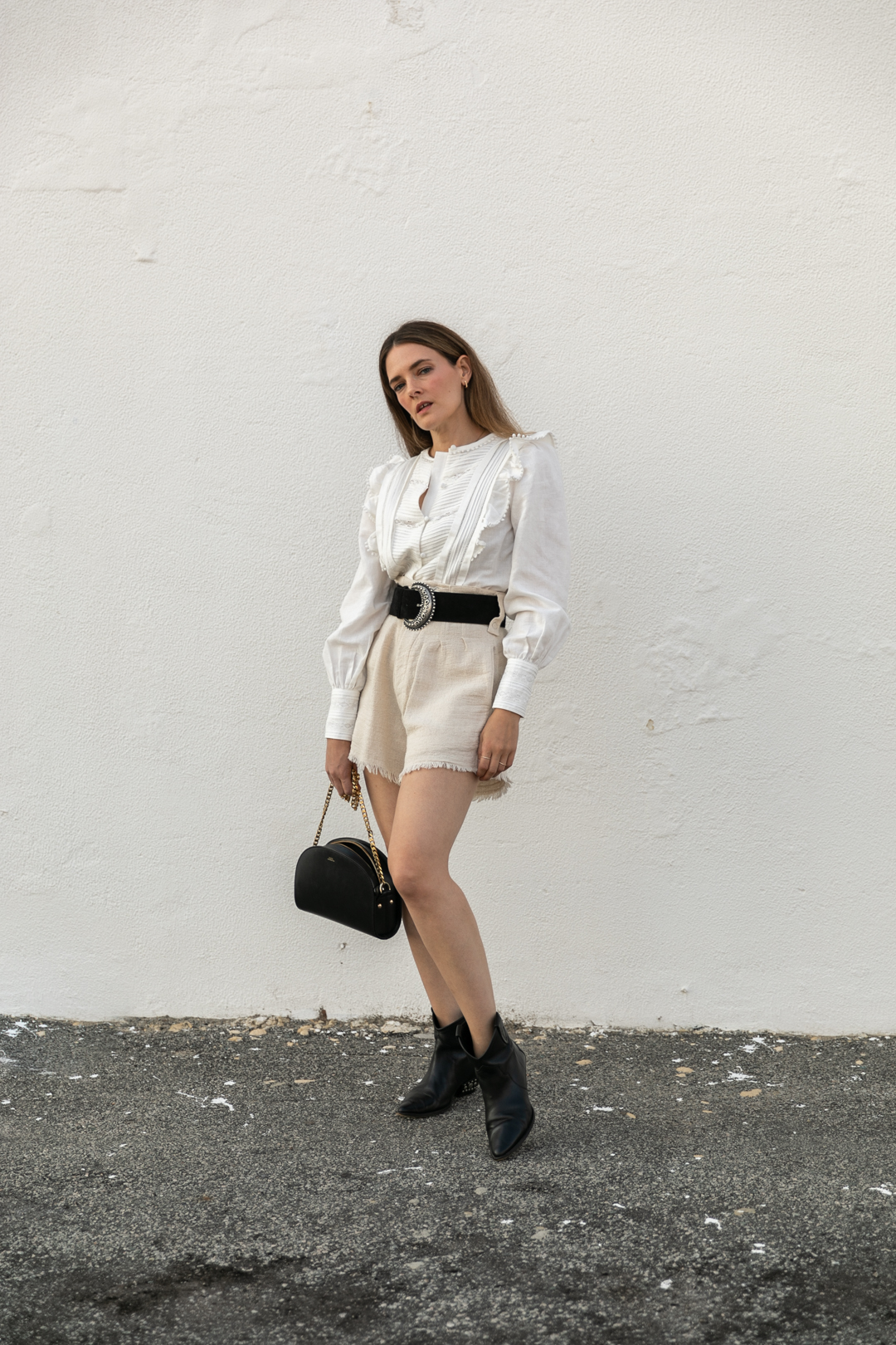 Summer outfit wearing linen and cotton