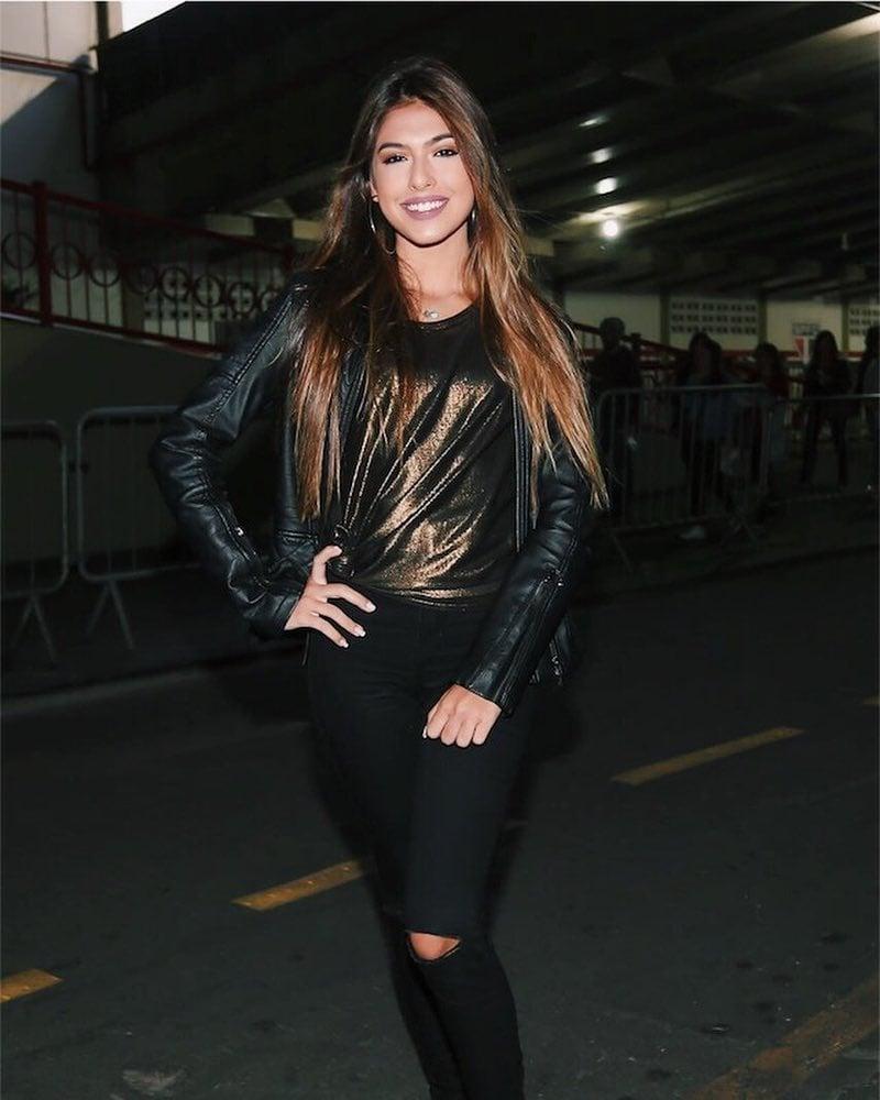 Fernanda Concon - @fernandaconcon - 2.5M de seguidores - Beleza/LifeStyle/Fitness - SP