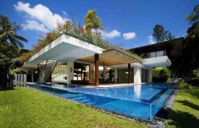 tangga-piscina-transparente-1