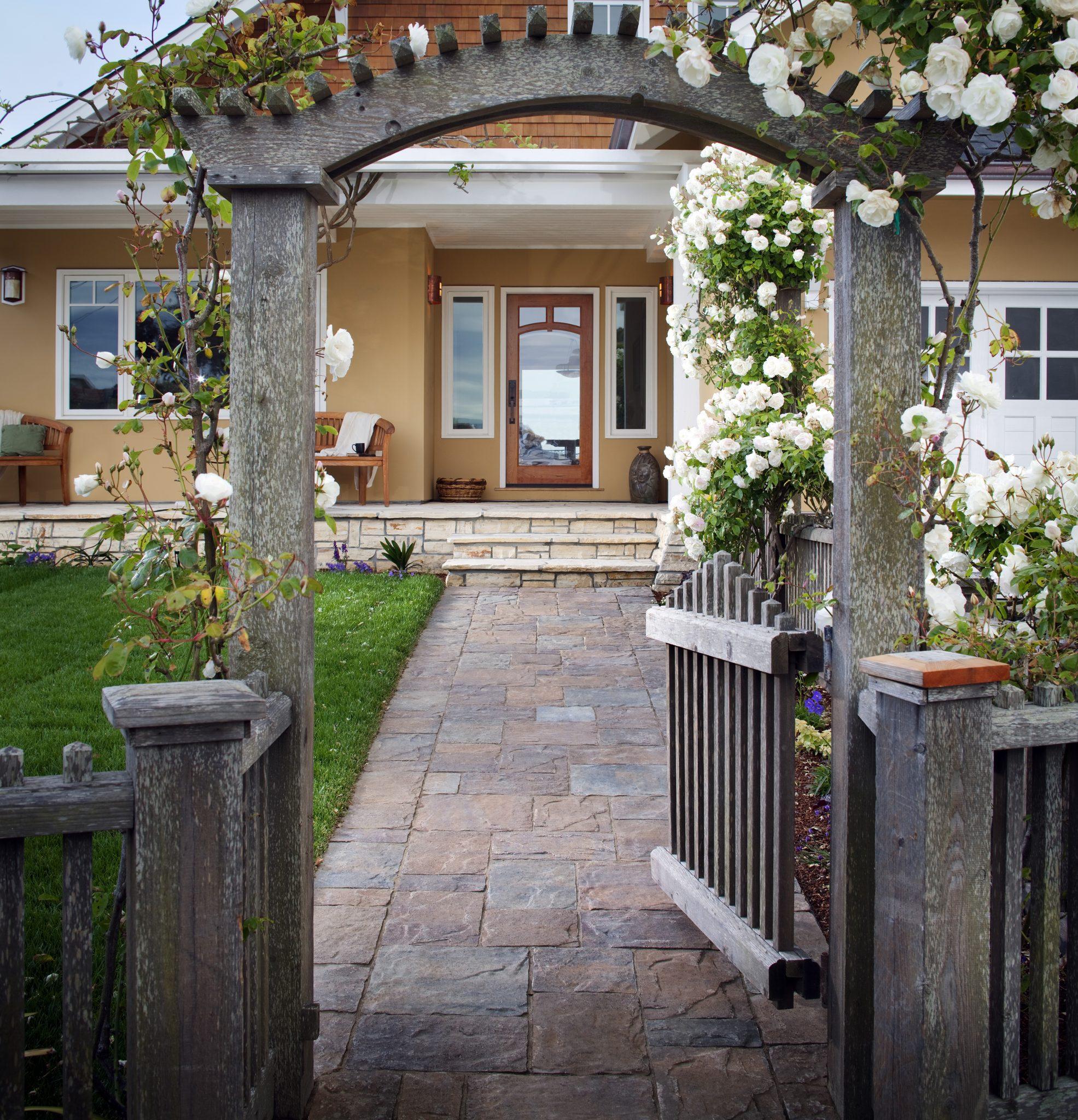 Walkway Materials Guide: TOP Ideas + Designs | INSTALL-IT ... on Side Yard Walkway Ideas id=57863