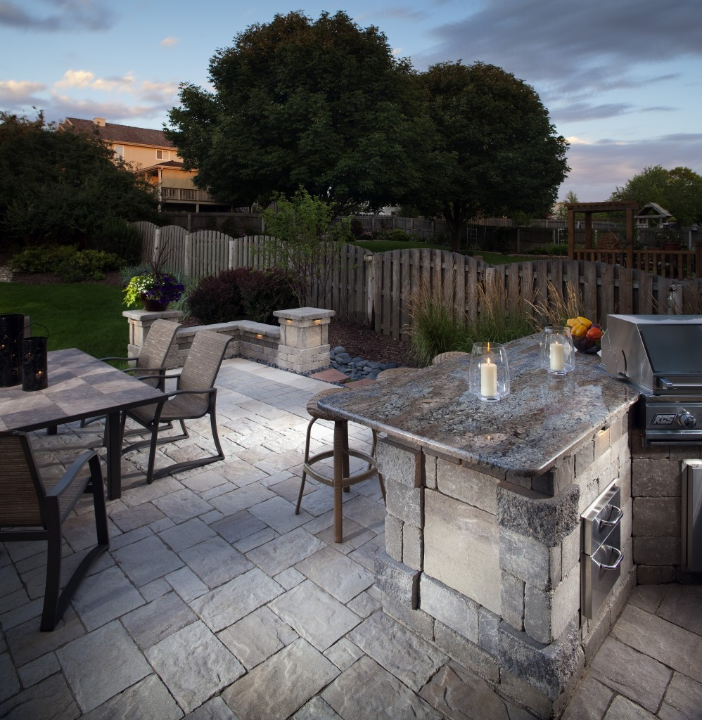 Outdoor Kitchen Cost: Ultimate Pricing Guide | INSTALL-IT ... on Outdoor Kitchen Living Spaces id=72224