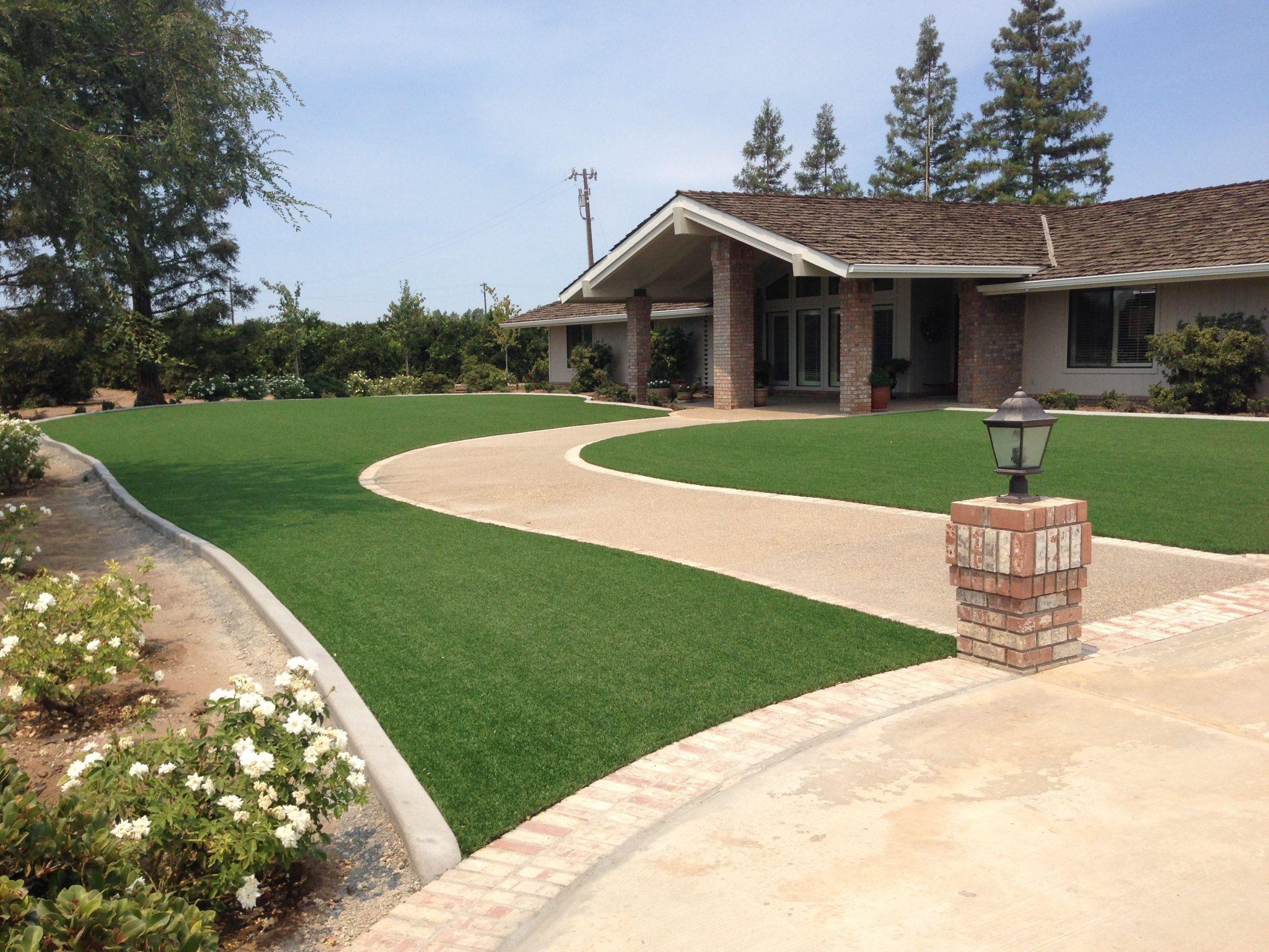 7 Landscape Edging Ideas for Artificial Grass Lawns ... on Turf Yard Ideas id=62579