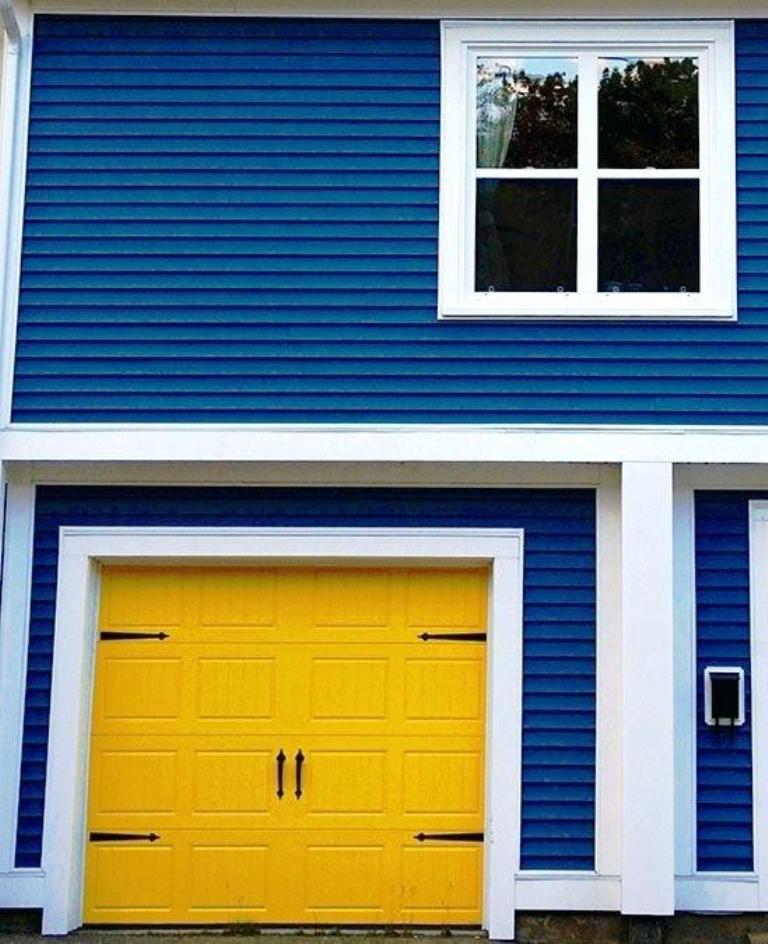 20 Best Garage Door Ideas For You To Try - Instaloverz on Garage Door Color Ideas  id=19570