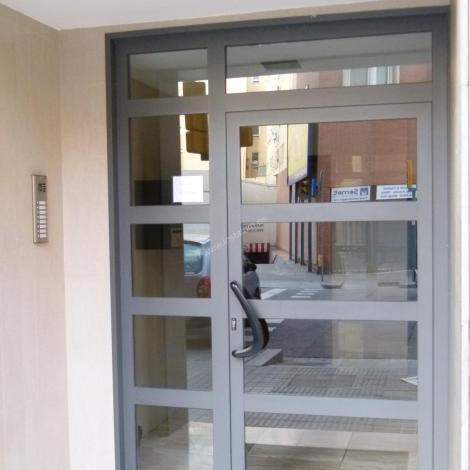 Puertas Comunidad  (aluminio, hierro y vidrio)