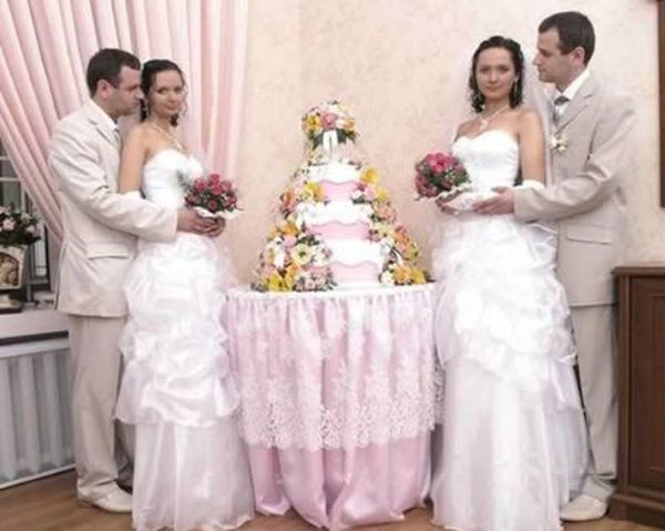 The Russian twin couples