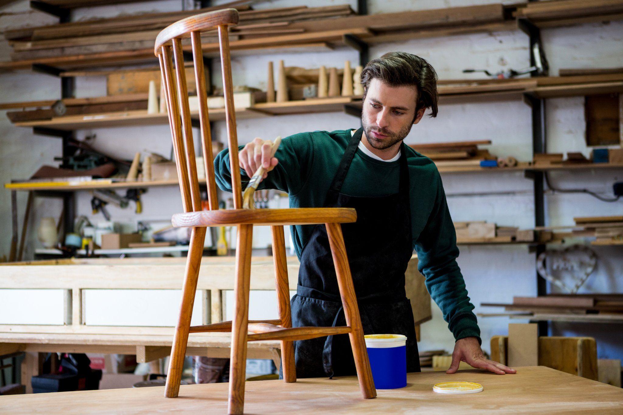 Come dipingere le sedie in plastica? Cosa Ti Serve Per Dipingere Una Sedia Fai Da Te Instapro