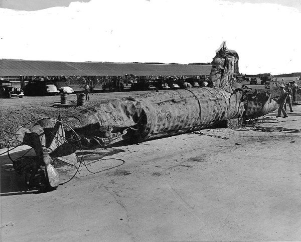 Pearl harbourJapanese_midget_submarine_h54302