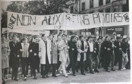 Manifestation du 17 Mai 1967, A gauche Max Weber et Alain Krivine Photo E.Kagan