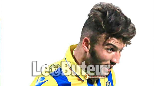Le chhampion buteur d'Algerie jmg football Zakaria NAidji