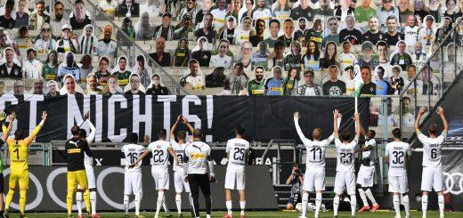 Photo-victoire-du-Borussia-avec-ramy-Bensebaini-de-jmg-football