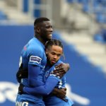 Paul Onuachu in a hug with Theo Bongonda KRC Genk - STVV