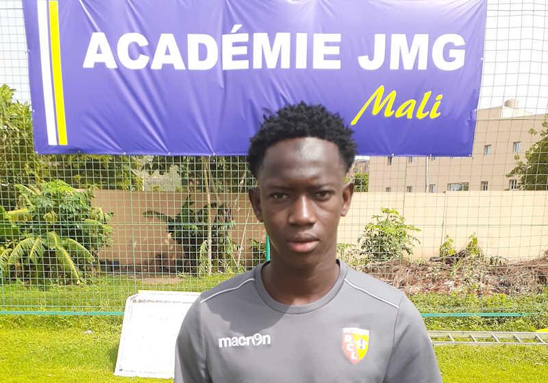 mamadou thiam rc lens de jmg academie mali head shot