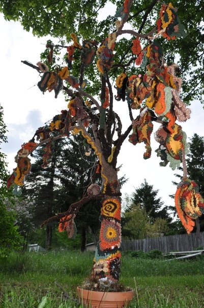 "Image of ""Autumn Weeps"", Croveted Tree by ""The Amazing Noodle"""