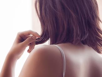 https://pixabay.com/en/back-female-person-sexy-shoulders-1844843/