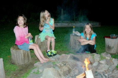 girls-campfire-st-featured-w740x493