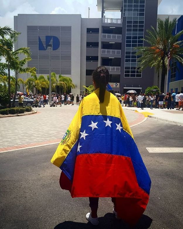 #16j | #Venezuela dijo Presente en el @mdcollege West Campus. Foto @erikabello_#consultapopular #estoyconvenezuela