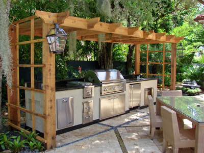 An outdoor kitchen Integrity designed and installed.