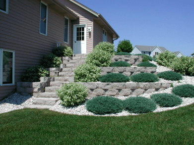 landscaper, landscaping companies, Milwaukee landscaping, landscapers in, retaining wall builder, retaining wall