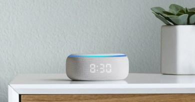 Echo Dot com relógio LED
