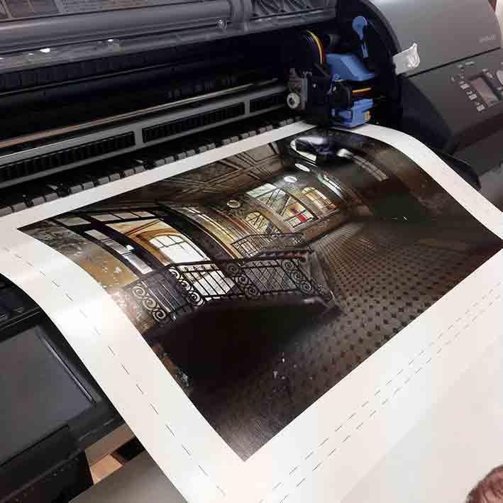 Die LargeFormat-Printer der neuesten Generation (Canon) drucken bis zu 1,60 Meter Breite