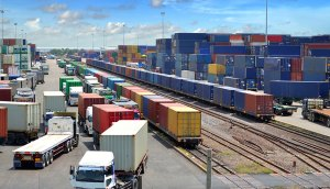Cargotec develops intelligent cargo handling with services from Orange