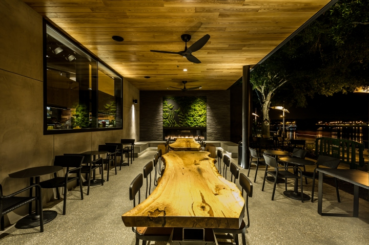 Starbucks store at Disneyland, Orlando. Made with 100 percent energy-efficient LED lighting; reclaimed oak, maple and other materials used throughout the store; community tables made from salvaged trees; a green roof consisting of hundreds of lemon grass plants.