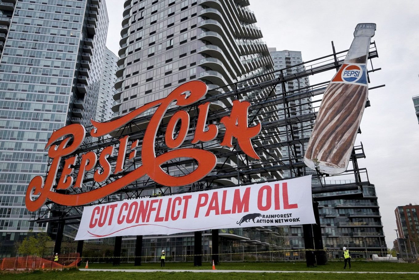 Pepsi cola palm oil - The Age of Change - How the Business World Has Become More Eco-Friendly in the 21st Century