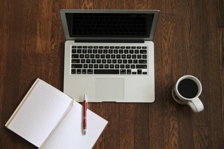 bg-laptop-book-coffee