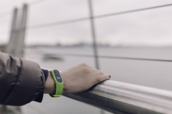 56e517634 Polar Loop vs Fitbit Force Activity Tracker Comparison