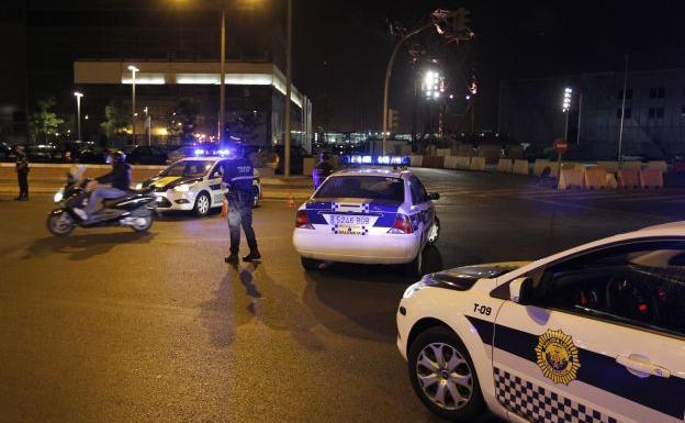 CSIF pide mamparas separadoras en los vehículos de Policía Local de Valencia, más test y evaluar el riesgo de exposición