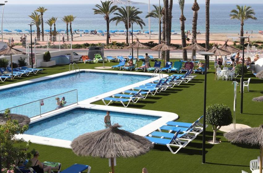 Los destinos turísticos de la Comunidad Valenciana marcan máximos del verano con una ocupación entre el 50 y el 64% a lo largo de la costa