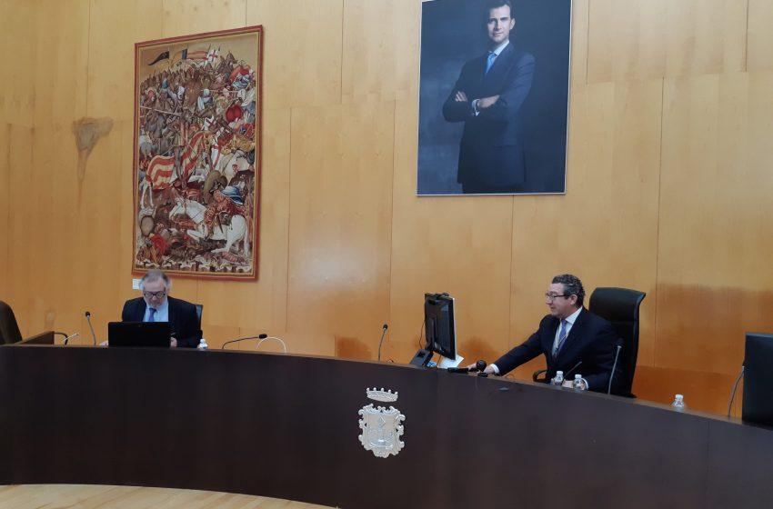 El alcalde Toni Pérez destaca en el Día de Benidorm la capacidad de la ciudad de salir adelante en la adversidad