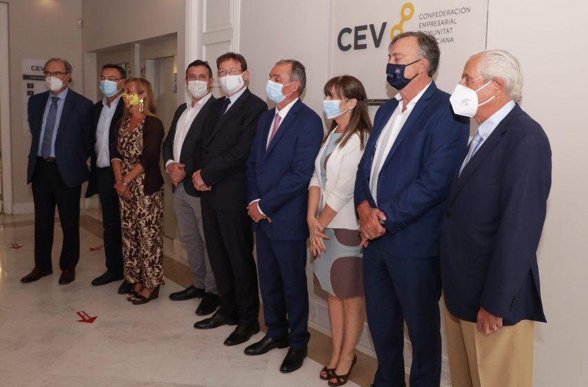 Ximo Puig destaca el 'trabajo importante de cohesión' con la CEV para lograr el objetivo fundamental de 'salvar empresas y puestos de trabajo'