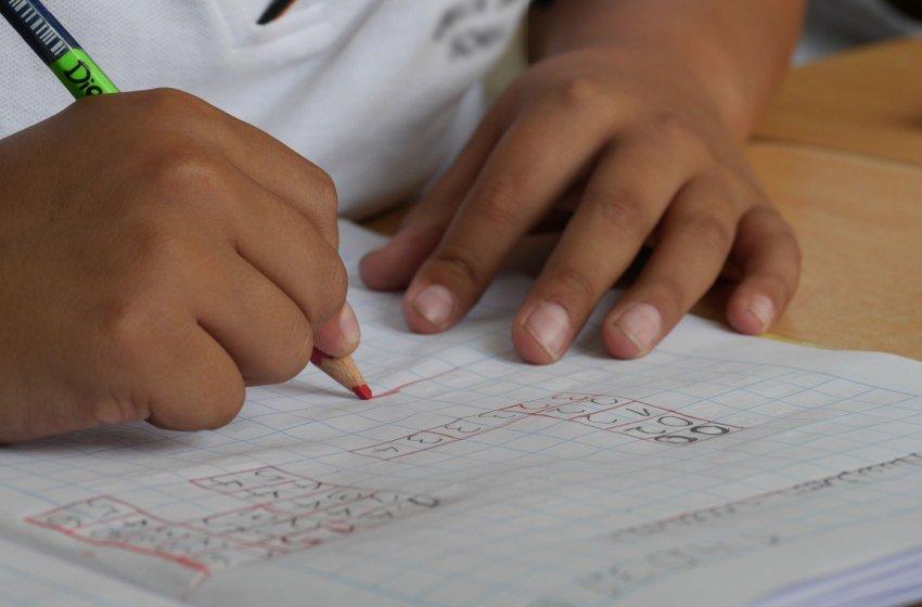 CSIF plantea a Conselleria el cierre de centros educativos en la Comunidad Valenciana y exige activar la formación a distancia
