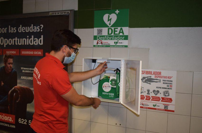 La Generalitat comienza a instalar desfibriladores en las principales estaciones de Metrovalencia y TRAM d'Alacant