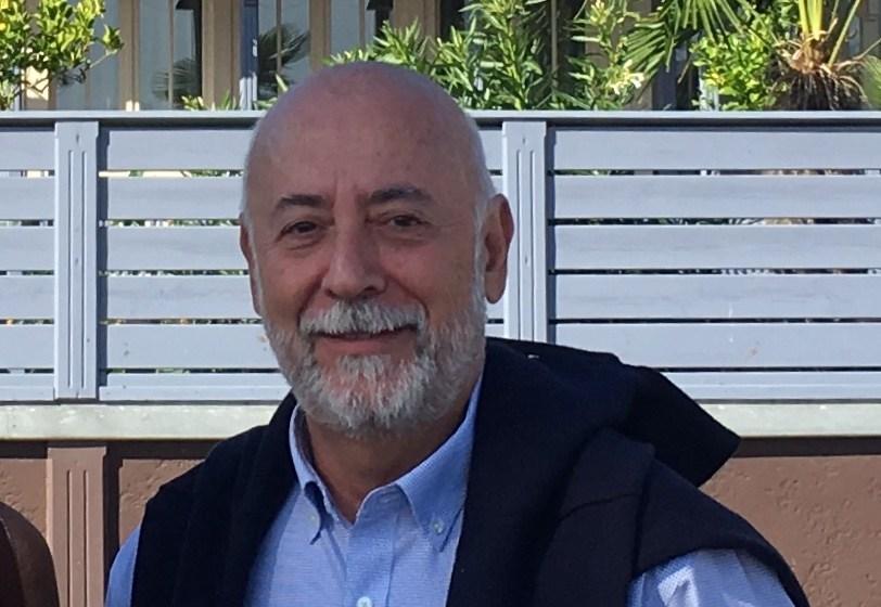 UN SISTEMA SANITARIO CON PIES DE BARRO Por Carlos Rodrigo, médico y presidente de SanitatSolsUna