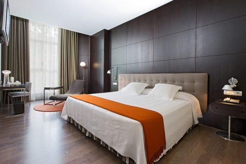 El buen tiempo, el turismo internacional y la reactivación de eventos mantiene la ocupación hotelera por encima del 70% en la Comunidad