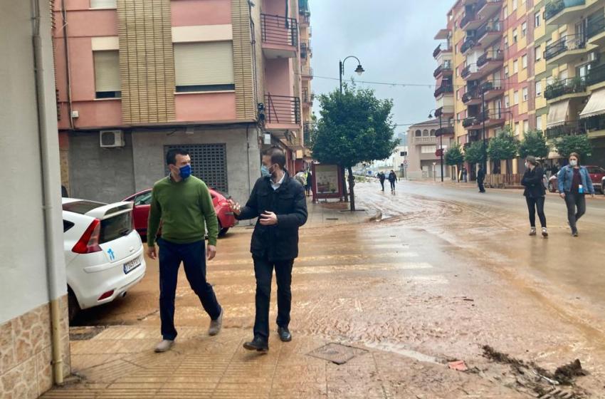 Mompó ha lamentado que la «falta de previsión y limpieza de los barrancos ha castigado a muchos valencianos»