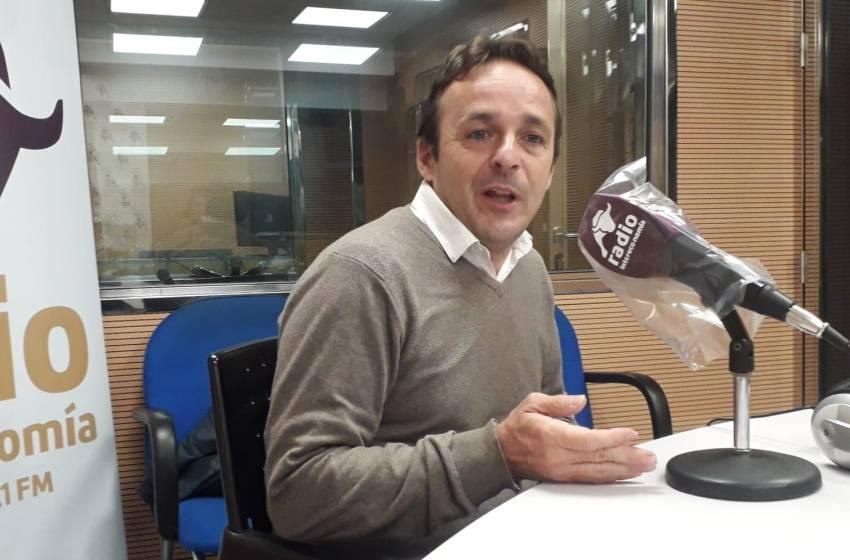 """Héctor González en El Intercafé: """"Albert Rivera llevó a CS a la cumbre en el centro, pero lo hundió con el trasvase a la derecha"""""""