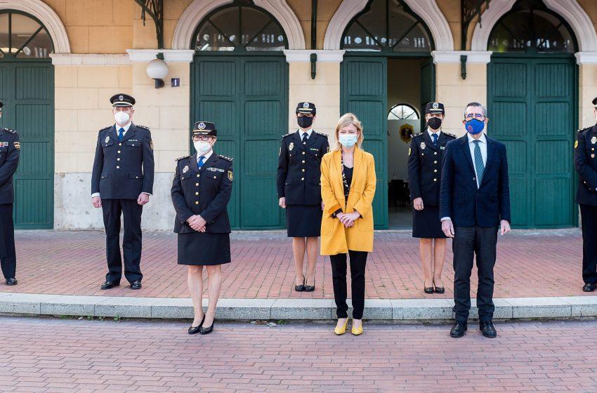 Bravo asegura que insistirá ante el Ministerio del Interior para que se cubran las plazas vacantes de la Policía de la Generalitat